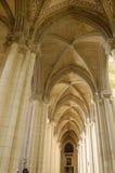 la madrid för de för almudenaarcos catedral domkyrka Royaltyfri Foto