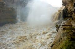 La magnificencia de la cascada del hukou del río amarillo fotografía de archivo libre de regalías