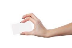 La main de la femme d'affaires tenant la carte de visite professionnelle vierge de visite Photo libre de droits