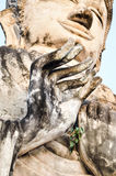 La main de la statue de Bouddha généralement en Thaïlande Photos stock