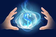 La main gagnent l'argent Photographie stock libre de droits