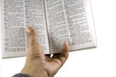 La main a indiqué le livre image libre de droits