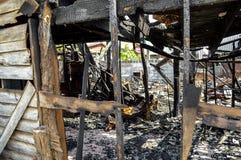 La maison après un feu Photo stock