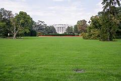La Maison Blanche et les barrières avec le connexion Washingt de secteur restreint photo libre de droits