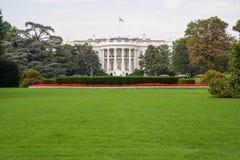 La Maison Blanche et les barrières avec le connexion Washingt de secteur restreint image libre de droits
