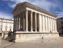La Maison Carré; Nimes Frankrike arkivfoto