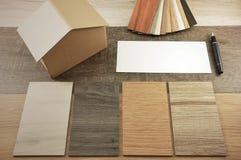 La maison décorent par le bois Texture en bois sur le fond d'isolat Photos libres de droits