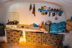 La maison dans la caverne Photos libres de droits