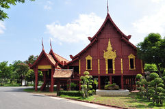La maison dans le type thaï Photographie stock libre de droits
