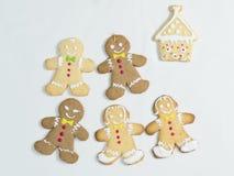 La maison de pain d'épice a fait la fille et la maison de garçon de biscuit Photographie stock libre de droits