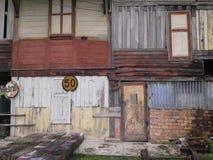 La maison du dirigeant du train de TThai, gare ferroviaire de Larn de vacarme d'interdiction, a eu Yai, Songkhla, Thaïlande Photographie stock