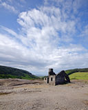 La maison du vieux mineur ruiné abandonné Images stock