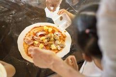 La maison a effectué la pizza Images stock