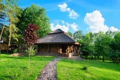 La maison en bois photographie stock libre de droits