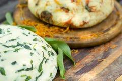 La maison a fait des têtes de fromage images libres de droits