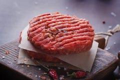 La maison a fait la cuisson d'hamburger Photo stock