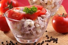 la maison fraîche a effectué la salade organique de nouille Photos libres de droits