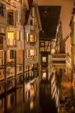La maison la plus tordue dans le monde dans la place historique d'Ulm Photos stock