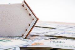 La maison modèle est placée sur les billets de banque de dollar US Photos libres de droits