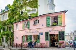 La Maison Rose Restaurant in Paris. PARIS, FRANCE OCTOBER 9, 2014 A couple is enjoying their leisurely lunch at La Maison Rose Cafe Restaurant in the historic Stock Photo