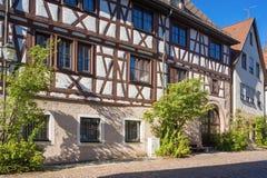 La maison supérieure de porte dans Dornstetten photographie stock