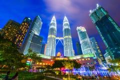 La Malaisie - 12 février 2017 : : Symbole de tour de Petronas de lum de Kuala Images stock