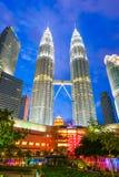 La Malaisie - 12 février 2017 : : Symbole de tour de Petronas de lum de Kuala Image stock