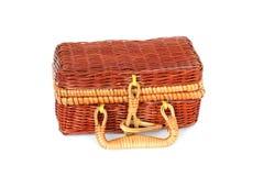 La maleta de mimbre de los niños Maleta para los juguetes fotografía de archivo libre de regalías