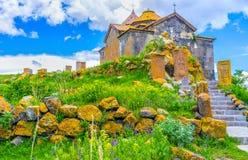 La manera al monasterio viejo Fotografía de archivo libre de regalías
