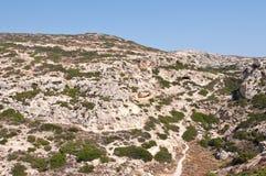 La manera a la playa roja ropa-opcional cerca de la playa de Matala en la isla de Creta, Grecia fotografía de archivo libre de regalías
