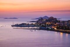 La Manga del Mar Menor Skyline på natten, Murcia Arkivfoto