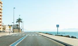 LA MANGA, ESPANHA, O 4 DE MAR?O DE 2019 a estrada famosa que corre atrav?s da pen?nsula entre o menor mediterr?neos e de mar?o Me imagens de stock royalty free