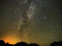 La manière laiteuse observer tient le premier rôle de Cygnus et de Lire constellation image stock