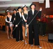 La manifestazione i ballerini del corpo di ballo balla lo stile del gruppo Immagine Stock