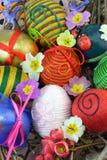 La mano adornó los huevos Fotografía de archivo libre de regalías