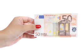 La mano de la mujer sostiene el billete de banco del euro cincuenta Imágenes de archivo libres de regalías