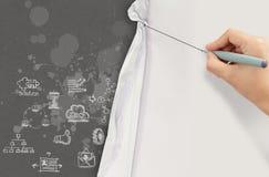 La mano del negocio dibuja la cuerda abierta arrugó el comienzo de papel de la show business Imagen de archivo libre de regalías