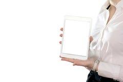 La mano dell'uomo sta tenendo lo smartphone Immagini Stock