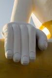 La mano di Buddha a Wat Phra That Doi Kham Chiang Mai, Tailandia Immagine Stock Libera da Diritti