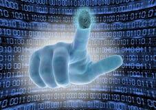 La mano esplora l'impronta digitale del dito indice immagini stock libere da diritti