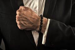 La mano ha serrato in pugno pronto a combattere Potere e forza Affare e imprenditorialit?, filtro d'annata immagini stock