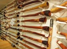 La mano hizo la tienda de Didgeridoo a mano en Australia Foto de archivo