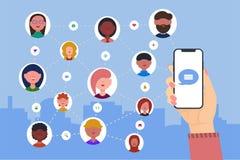 La mano sostiene el tel?fono Iconos de la gente la muchacha utiliza la red social para conectar con los amigos stock de ilustración