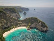La manta aerea abbaia o la spiaggia di Kelingking sull'isola di Nusa Penida, Bali, Indonesia fotografia stock