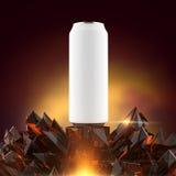 La maqueta blanca en blanco de la lata de cerveza en la base cristalina roja brillante 3d rinde, libre illustration