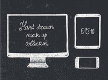La maqueta dibujada mano de los dispositivos electrónicos del garabato fijó - el monitor, la tableta y el smartphone Fotografía de archivo