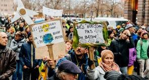 La Marche versa la dimostrazione di protesta del marzo di Le Climat su stre francese fotografia stock libera da diritti