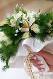 La mariée avec un bouquet de mariage Image libre de droits