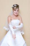 La mariée met en fonction un gant Photographie stock libre de droits