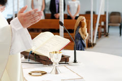 La massa cattolica Fotografie Stock Libere da Diritti